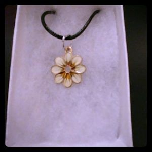 Jewelry - Gold Sunflower Necklace